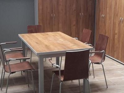 Stoliki i taborety 22